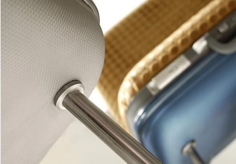 maybe-design-sit-bag-suitcase-chair-closeup.jpg